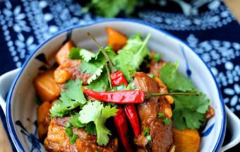 Nấu ăn món ngon mỗi ngày với Rau mùi, cách làm sườn heo om khoai tây 6