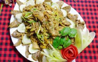 Nấu ăn món ngon mỗi ngày với Hành khô, cách làm lưỡi heo xào riềng sả 1