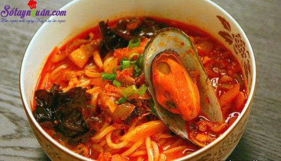 cách làm mỳ hải sản cay 9