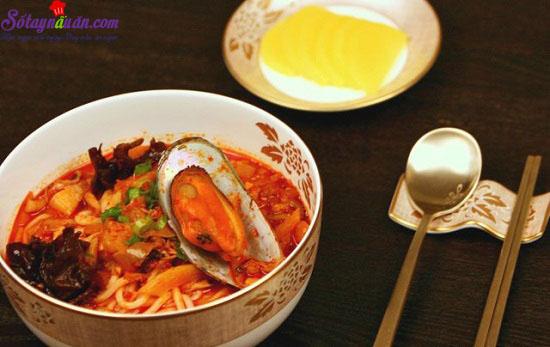 cách làm mỳ hải sản cay 1