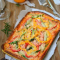 hướng dẫn làm gà sốt cà chua phô mai, cách làm pizza cá ngừ 6