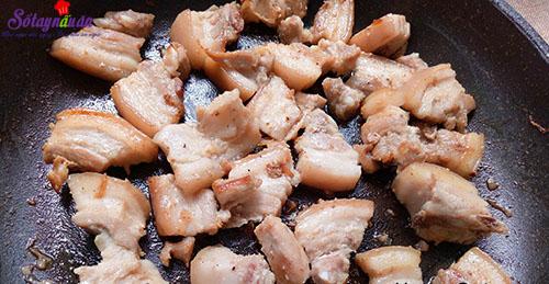 Cách làm thịt ba chỉ om sọ dừa ngon hết cơm 4