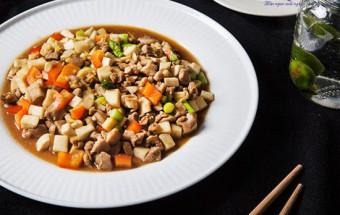 Nấu ăn món ngon mỗi ngày với Tỏi, cách làm thịt gà xào nấm 7