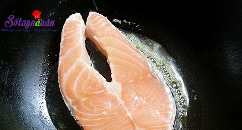 Ngon cơm với cá hồi áp chảo sốt chua ngọt 1