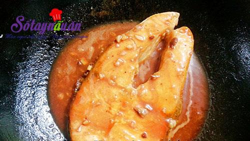 Ngon cơm với cá hồi áp chảo sốt chua ngọt 4