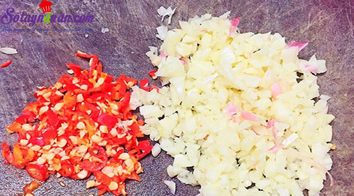 cách làm gỏi lưỡi heo măng chua 2