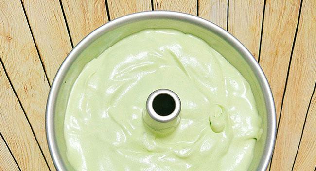 Cách làm bánh chiffon lá dứa thơm mềm xốp cực ngon 7