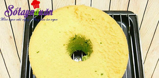 Cách làm bánh chiffon lá dứa thơm mềm xốp cực ngon 8