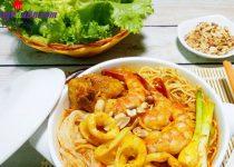 Cách làm mì Quảng hải sản thơm ngon