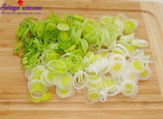 cách làm salad tỏi tây 1