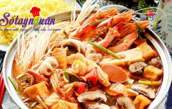 món ăn nhậu, Cách nấu lẩu kim chi hải sản nóng hổi ngày mưa lạnh