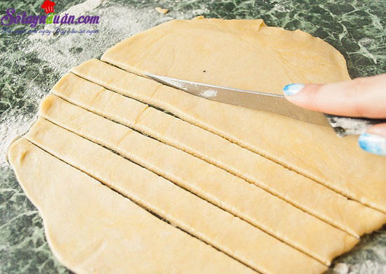 cách làm bánh chuối mâm xôi 9