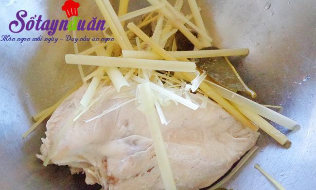 Cách làm khô gà lá chanh cực dễ tha hồ mà nhâm nhi