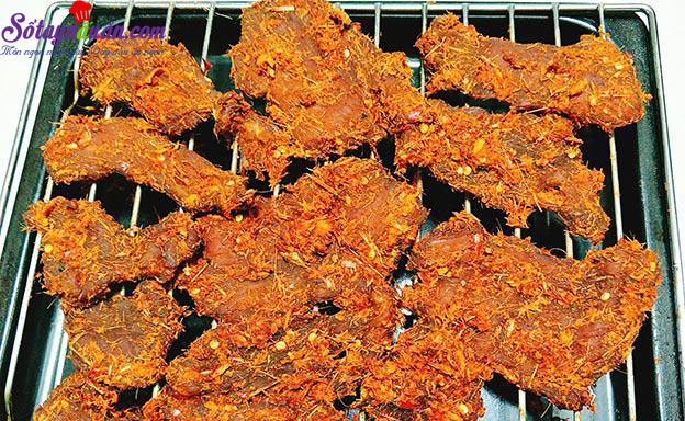 cách làm thịt heo khô cay 7