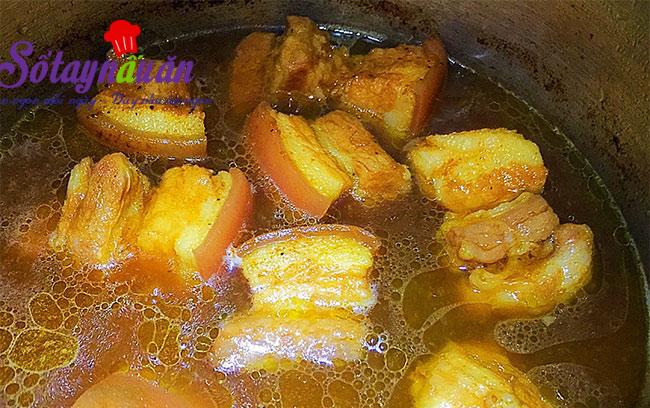 Cách làm thịt kho hột vịt đậm đà ngon cơm ngày đông