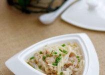 Bữa cơm thanh đạm với canh thịt nấm