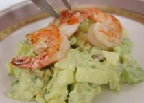 Cách làm salad hải sản ngon mát ngày hè