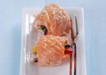 Cá hồi cuộn rau nướng ngon ơi là ngon