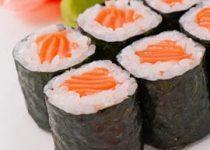 Cách làm sushi cá hồi ngon ơi là ngon