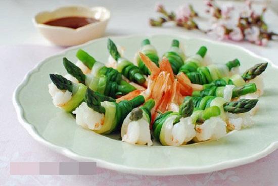 hướng dẫn cách nấu ăn ngon hàng ngày, Cách làm tôm cuộn hành thơm ngon lạ miệng
